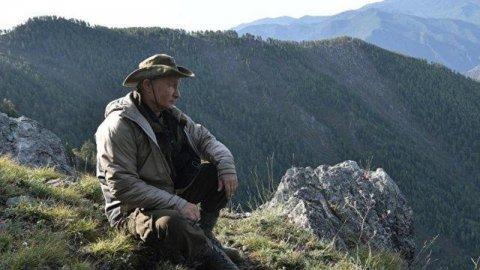 Putin dağların qoynuna çəkilib