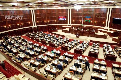 Deputatlar daha 18 qanuna dəyişiklik edəcək