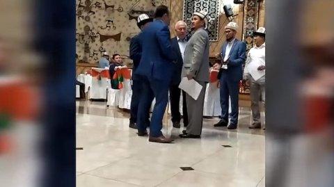 Bişkekdə iftar qalmaqalı – Türkiyə səfiri FETÖ üzvü ilə eyni masa arxasında