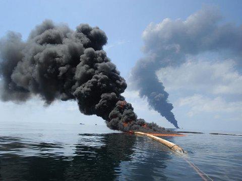 İrana sensasion ittiham: Tehran körfəzdə neft tankerlərini partlatmaqda ittiham edilir