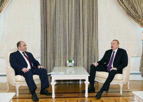 Prezident Belarusun Baş nazirinin müavinini qəbul edib
