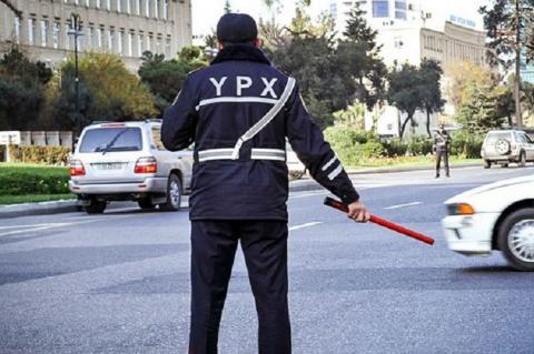 """DYP əməkdaşı sürücünü təhdid edir: """"Səni harda görsəm..."""""""