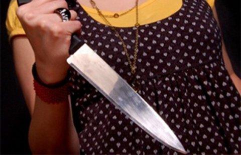 Ağstafada qadın bıçaqlandı
