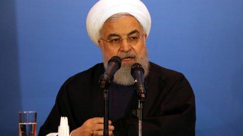 İran prezidenti: Bombalasalar da təslim olmayacağıq