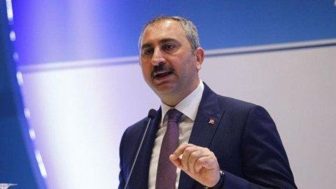 Türk nazirini dinləyən hər kəsə 350 dollar ödəniş