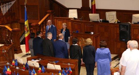 Moldovanın baş naziri qadın seçildi