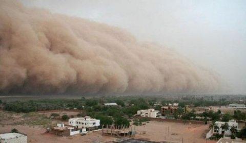 Hindistanda təbii fəlakət: 30-dan çox insan ölüb, evlər dağılıb