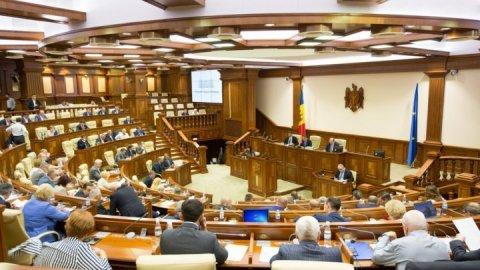 Moldova qanlı vətəndaş qarşıdurması astanasında - Ölkədə iki hökumət var