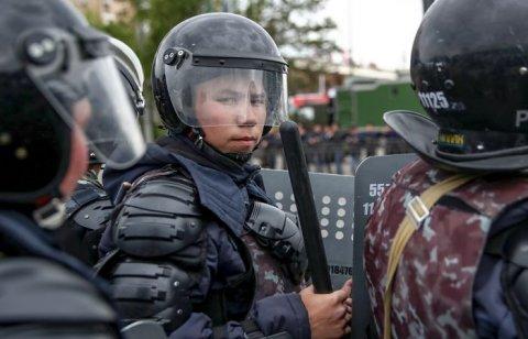 Qazaxıstanda iki gündə 700 mitinq iştirakçısı saxlanılıb