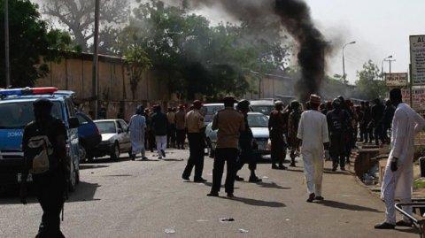 Quldurların hücumu nəticəsində 30-dan çox adam öldü