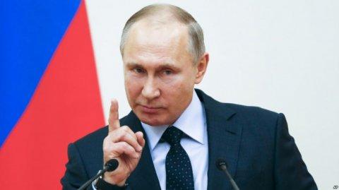 """Putin """"qanuni oğru""""ları tacqoymadan məhrum edib"""