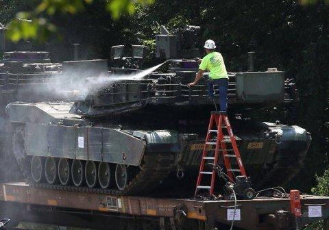 ABŞ-da hərbi parad: Parklar Xidməti də bayrama töhfəsini verib – 2 milyon dollar