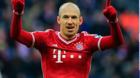 Robben futbolla vidalaşdı