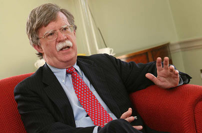 Con Bolton İran tankerinin tutulmasına sevinir