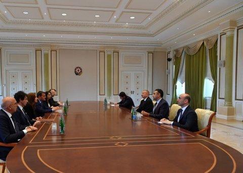 Prezident İlham Əliyev italiyalı naziri qəbul edib