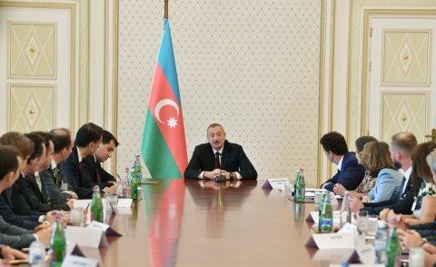 Prezident İlham Əliyev şirkət nümayəndələrini qəbul edib