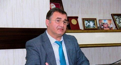 İlham Əliyev müxalifətçi alimi təltif edib