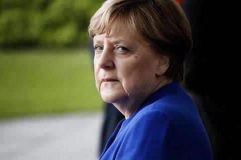 Merkelə nə olub? - Ekspert kanslerin əsməsinin səbəbini açıqladı