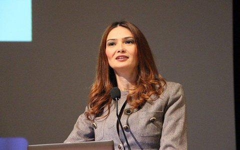 Qənirə Paşayeva akademiyanın professoru seçildi