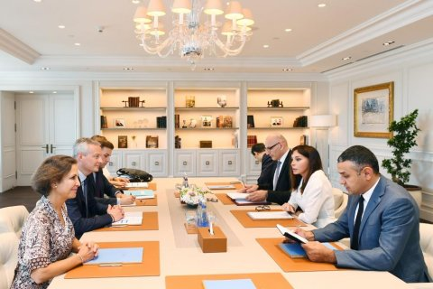 Mehriban Əliyeva Fransanın İqtisadiyyat və Maliyyə naziri ilə görüşdü