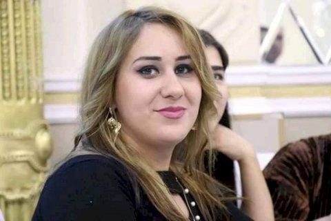 Jurnalist özünü yanan binadan atdı - Azərbaycanda