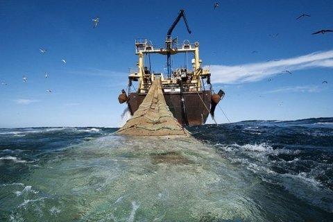 İran Hörmüz boğazında 7 xarici balıqçı gəmisini saxlayıb