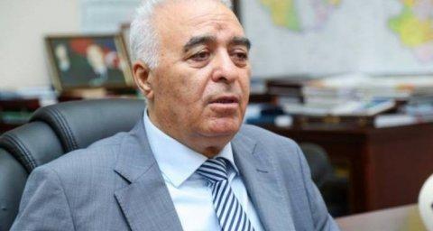 """Eldar İbrahimov sözünü geri götürdü: """"Düşmən"""" sözünü indiki deputatlara deməmişəm"""""""