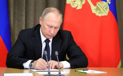 Putin 30-a yaxın general və polkovniki istefaya göndərdi