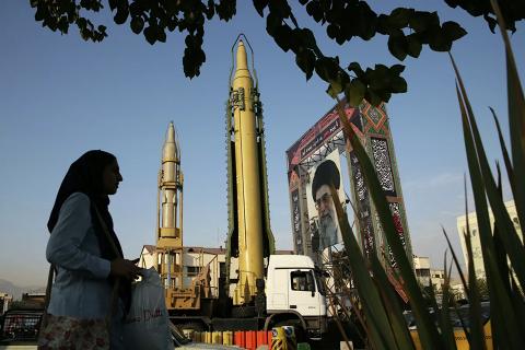 İran ABŞ-a xəbərdarlıq edir: hərbi bazalarınızı vuracağıq