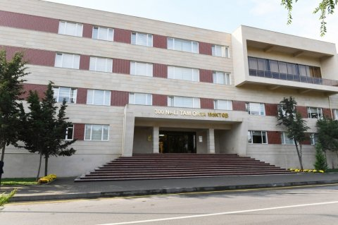 Prezident Binəqədidə: yeni tədris kompleksinin açılışı oldu