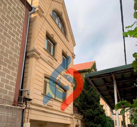 Qalmaqallı deputatın milyonluq villası üzə çıxdı