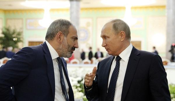 """""""Kreml Paşinyanın hərəkətlərindən narazıdır"""""""