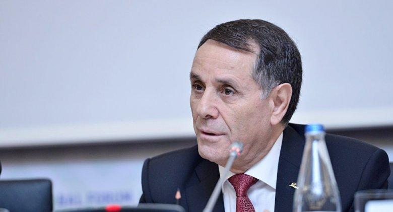 Novruz Məmmədov maaşlarla bağlı qərar imzalayıb