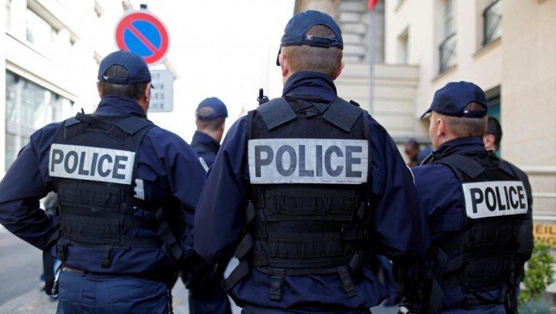 Fransada 5 polis öldürüldü
