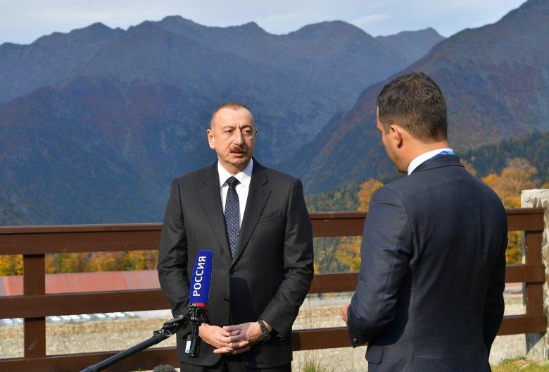 Prezident İlham Əliyev rus telekanallarının suallarını cavablandırıb
