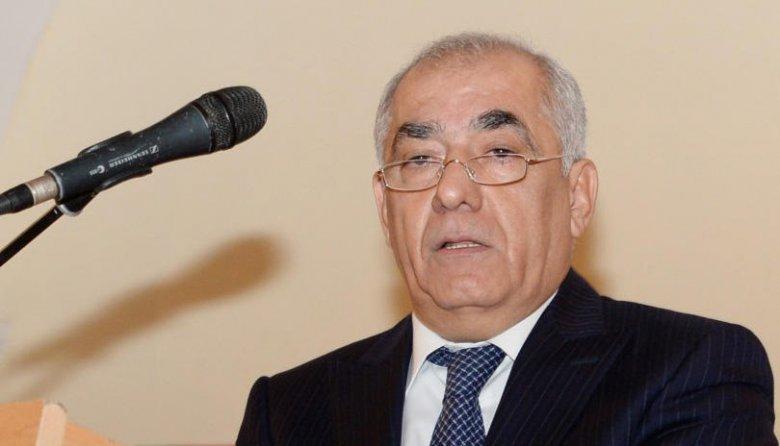 Əli Əsədov  Milli Məclisin iclasına qatılıb