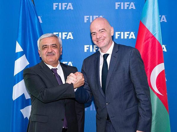Rövnəq Abdullayev FIFA prezidenti ilə görüşdü