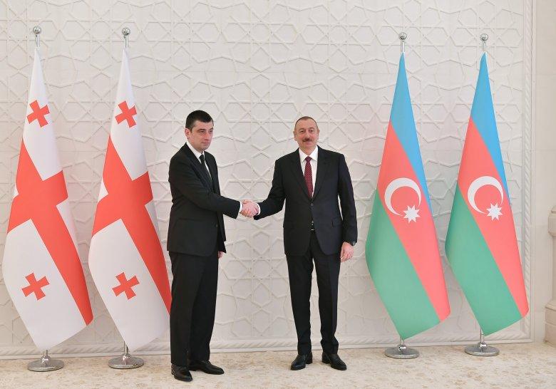 """İlham Əliyev Gürcüstanın  Baş naziri ilə görüşdü: """"Aramızda həll olunmayan məsələ yoxdur"""""""