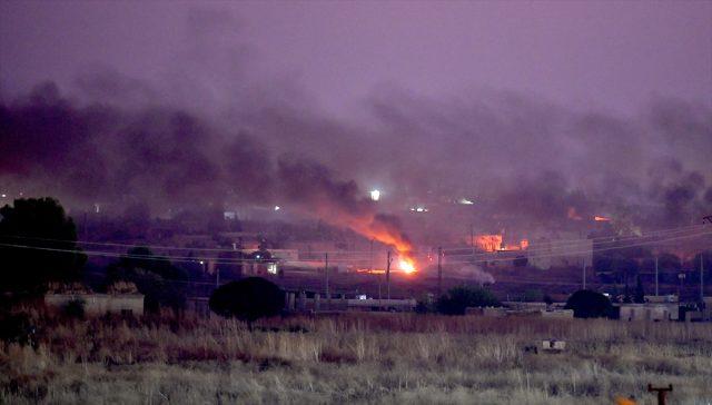 Türk ordusu YPG-nin başına bomba yağdırır - Terrorçular yayınmaq üçün bölgəni qara tüstüyə bürüyüb