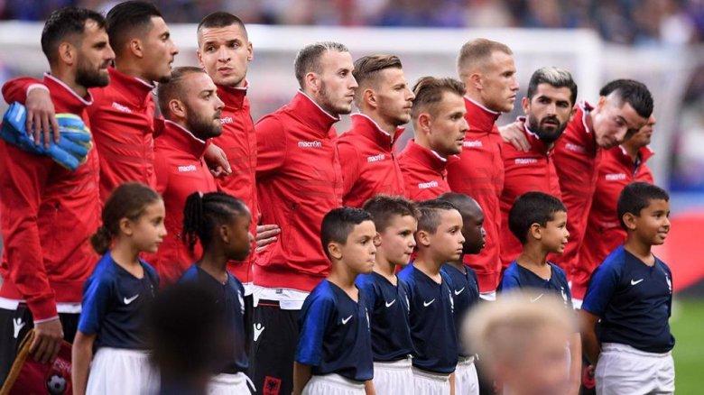 UEFA Fransa Futbol Federasiyasını himnə görə cərimələyib