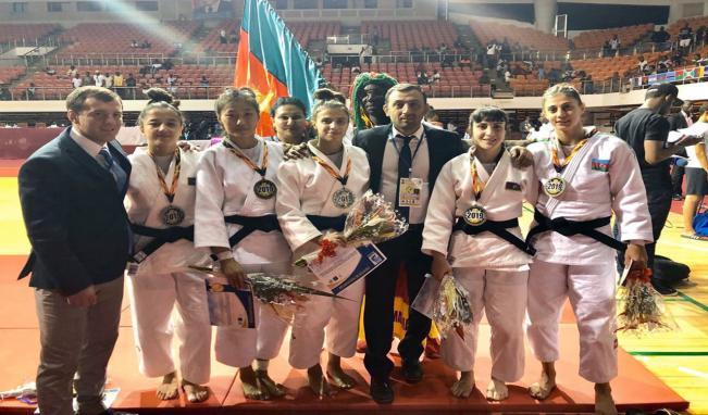 İdmançılarımız Kamerunda medal qazanıb