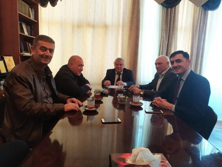 5 partiya lideri VHP-də toplandı - Ölkədəki ictimai-siyasi vəziyyətlə bağlı