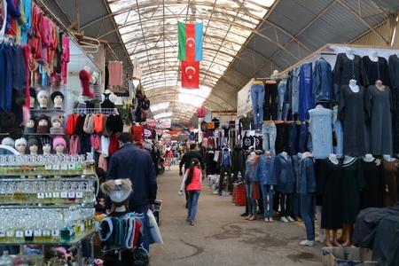Ticarət mərkəzləri 100 milyonlarla vəsaiti vergidən yayındırır