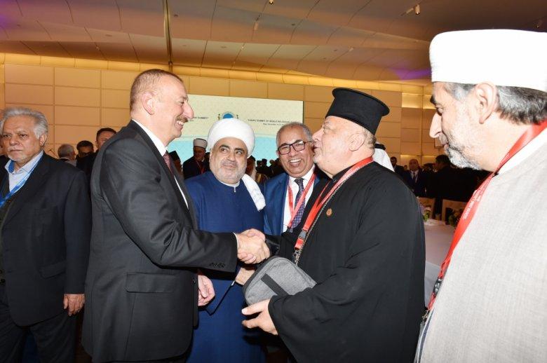 Prezident dünyanın dini liderlərinin şərəfinə ziyafət verdi