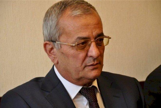 İsgəndər Həmidov siyasətdən getdiyini açıqladı