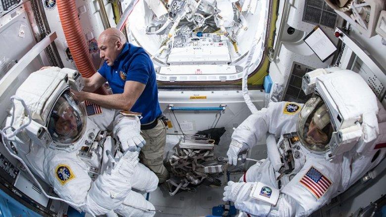 Astronavtlar növbəti dəfə açıq kosmosa çıxıblar