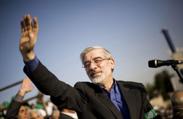 Müxalifət lideri İran rəhbərini devrilmiş şaha bənzədib