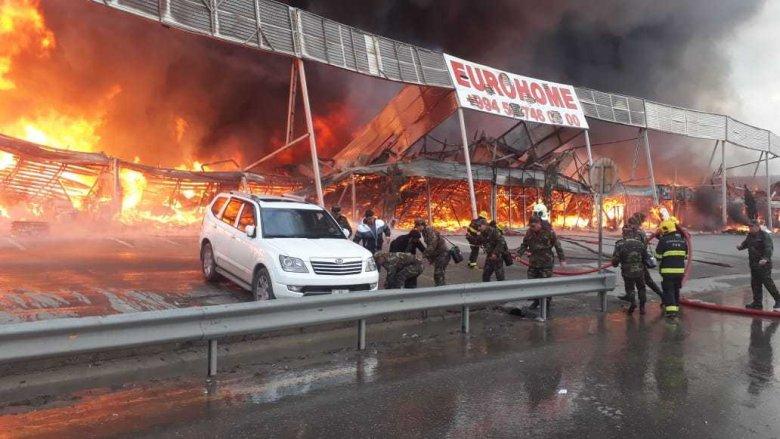 Mağazaları yanan sahibkarlara kompensasiya ödəniləcək