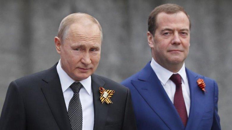 Putin Medvedevi yeni vəzifəyə təyin edib