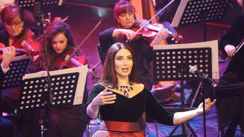 TÜRKSOY-un baş katibi Musiqili Teatrın solistinə mükafat verib